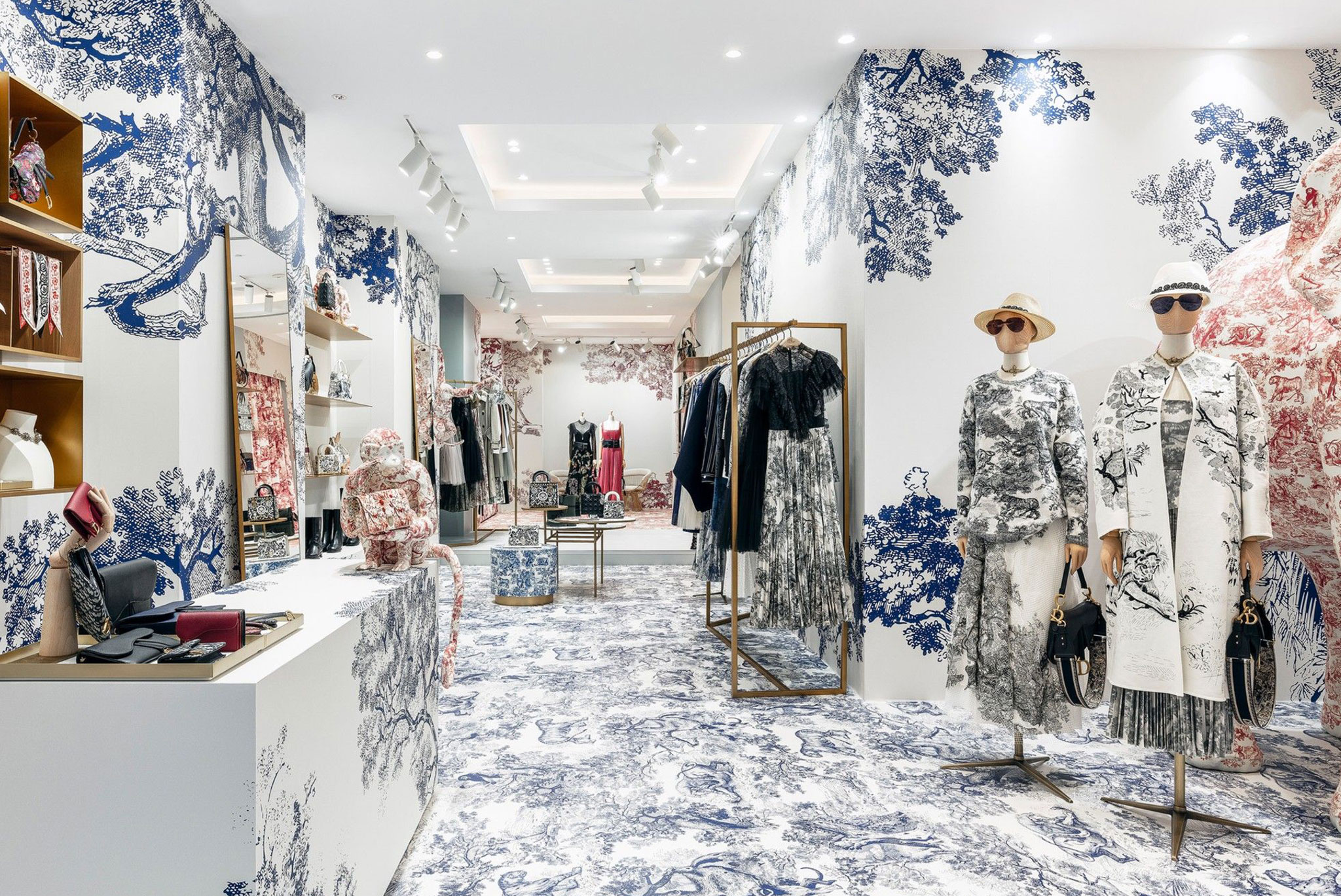 DIOR-JOUY-RETAIL-AUSTRALIA-IWD-BLOG-MERCHANDISING-DISPLAY