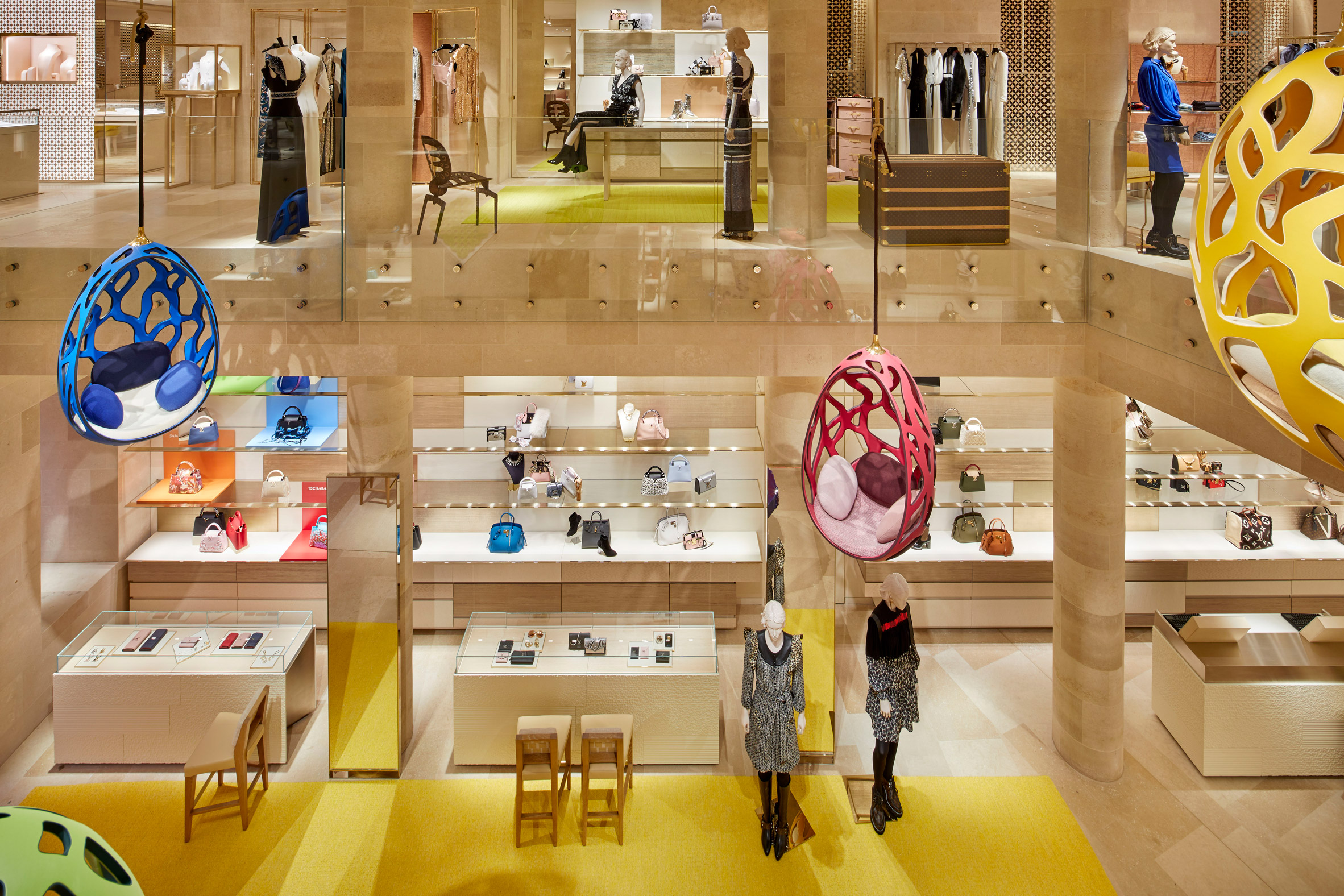louis-vuitton-new-bond-street-london-shop-interiors-peter-marino_dezeen_2364_col_24